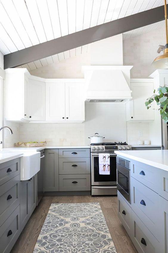 mat gri ve beyaz mutfak dolabı